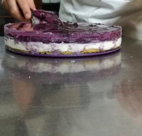 Busca, Italia: cheesecake ai mirtilli