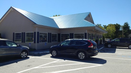 Searsport, ME: Front of restaurant