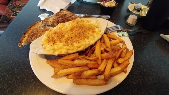 Searsport, ME: Lobster mac & cheese