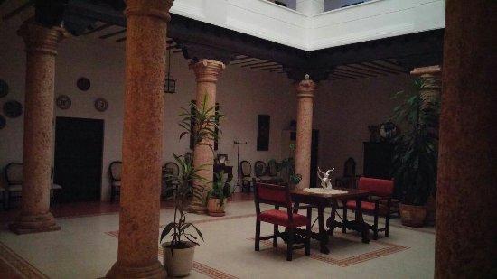 Casa de los Acacio: IMG-20160923-WA0000_large.jpg