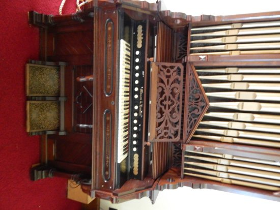 Palatine Bridge, Nova York: 1800s pump organ