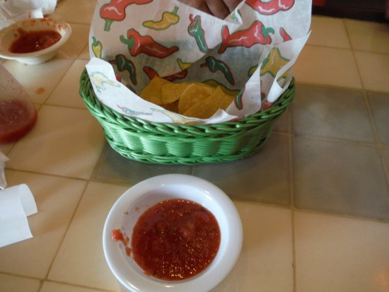 Beaufort, Carolina del Norte: Complimentary chips and salsa
