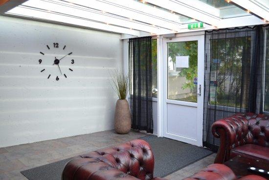 Hotel Hvolsvollur: The entrance.