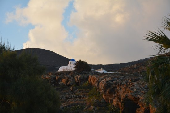 Pelagos Hotel-Oia: view of church from yoga yurt