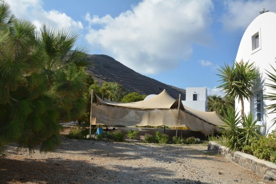 Pelagos Hotel-Oia: side view of yoga yurt
