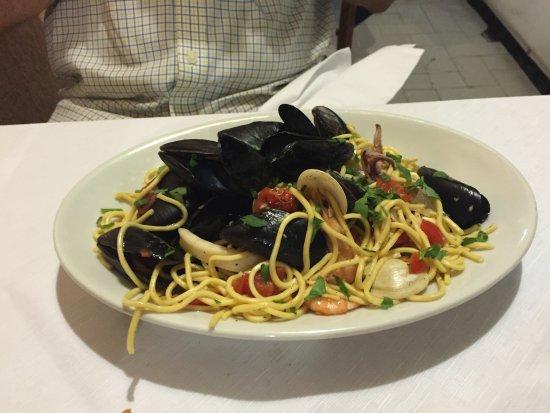 Volastra, Italia: spaghetti frutti di mare