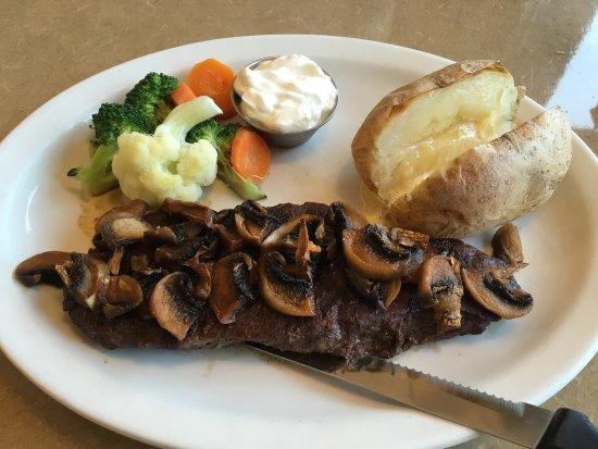 The Knotty Pine Restaurant : Nice steak dinner.