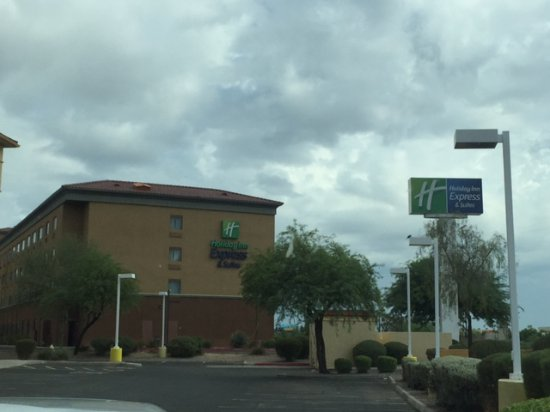 La Quinta Inn & Suites Phoenix I-10 West: last view of the hotel