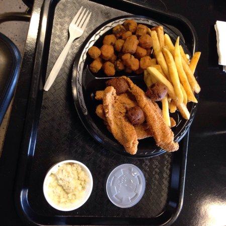 โรอาโนค, อลาบาม่า: Express Chicken & Fish 2