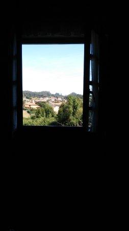 Camargo, Ισπανία: Vista desde la habitación a el pueblo.