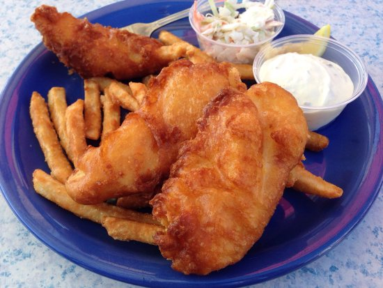 Island Cafe: Halibut and chips