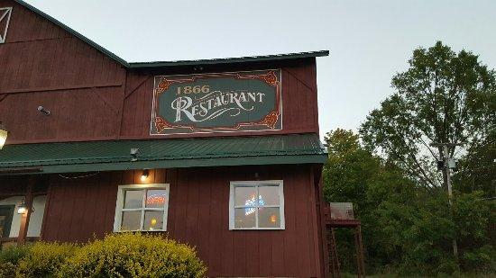 Mercer, PA: 1866 Restaurant & Taproom