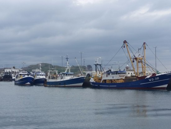 Malahide, أيرلندا: Vista da praia próxima
