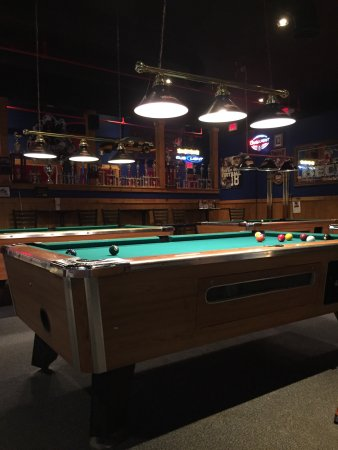 Rocky Hill, CT: 4 pool tables