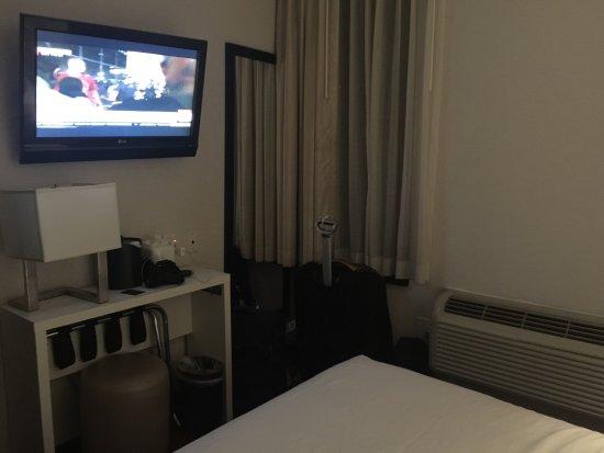 The GEM Hotel Chelsea: photo2.jpg