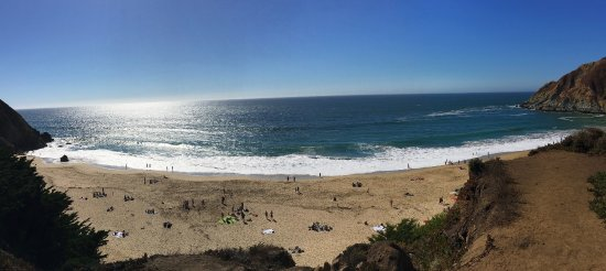 Gray Whale Cove State Beach: Beautiful small beach