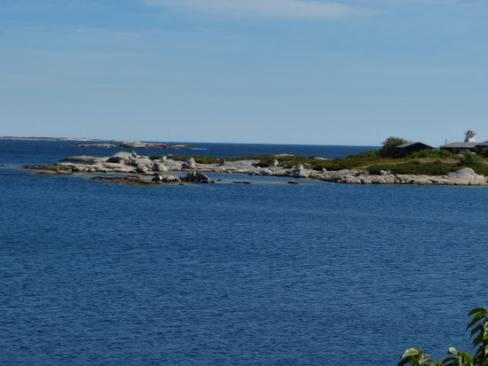 SS Atlantic Heritage Park: Lighthouse off Terence Bay
