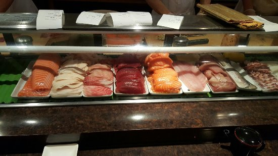 Palatine, IL: Sushi bar and a few creations!