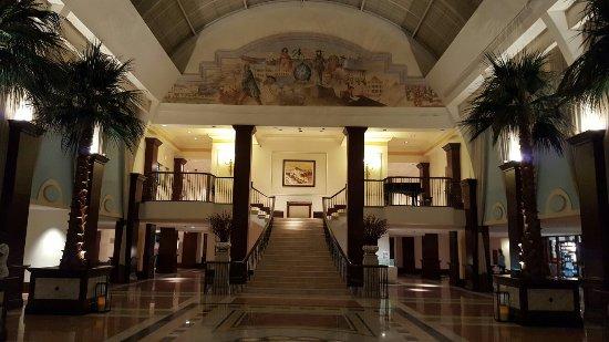 British Colonial Hilton Nassau: 20160919_200058_large.jpg