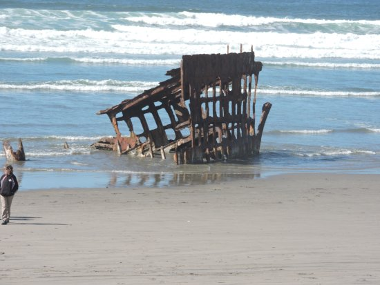 Warrenton, OR: The wreck of the Peter Iredale - September 20, 2016