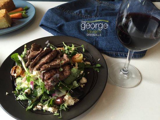 East Maitland, Avustralya: Greek Salad with Lamb