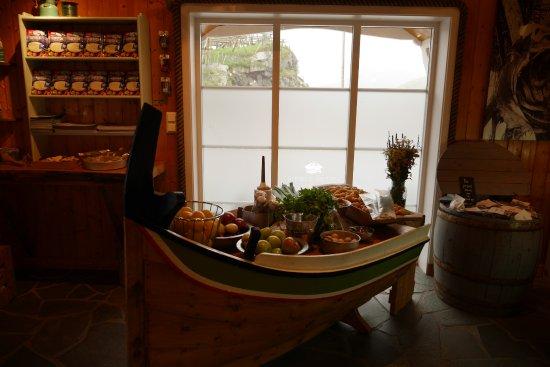 Reine, Noruega: 식료품을 팔아요