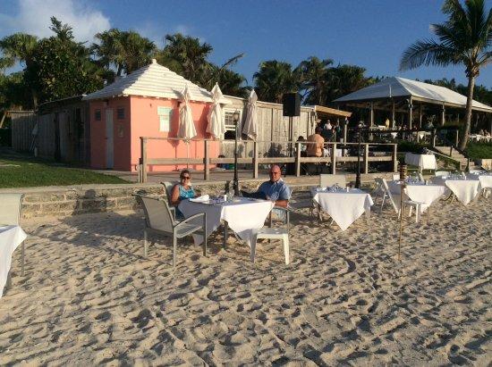 Somerset Village, Bermuda: Table on the beach