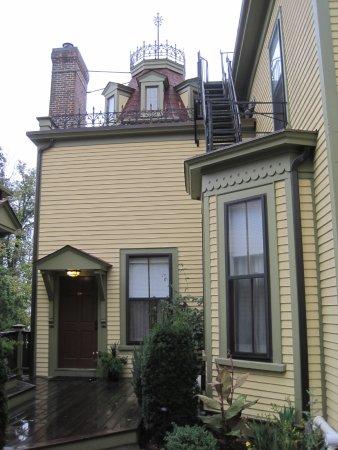 Cliffside Inn Picture