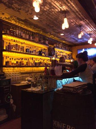 Wingharts Burger & Whiskey Bar: photo2.jpg