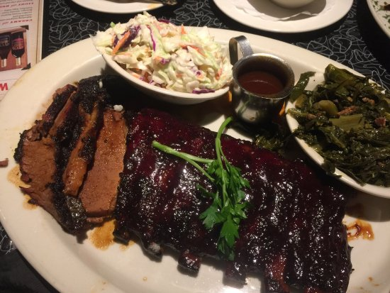 Orange, CA: Really good meal. Traditional American bbq with great service, generous serves and classic  ambi