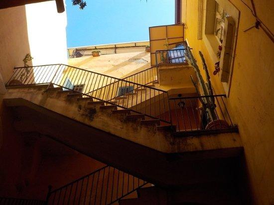Residenza Il Duomo : Trappor upp till rummen och receptionen