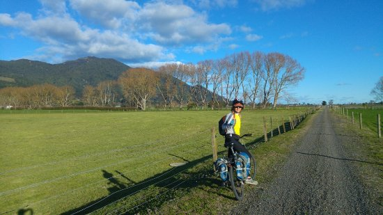 Thames, New Zealand: DAY2 LONG trail to Te Aroha