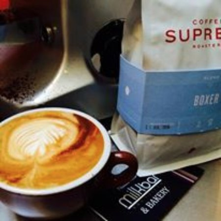 New Plymouth, Selandia Baru: Supreme coffee and pastries with most popular seller being pies...