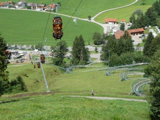 Alpsee Bergwelt: Blick vom Aufstieg ins Tal