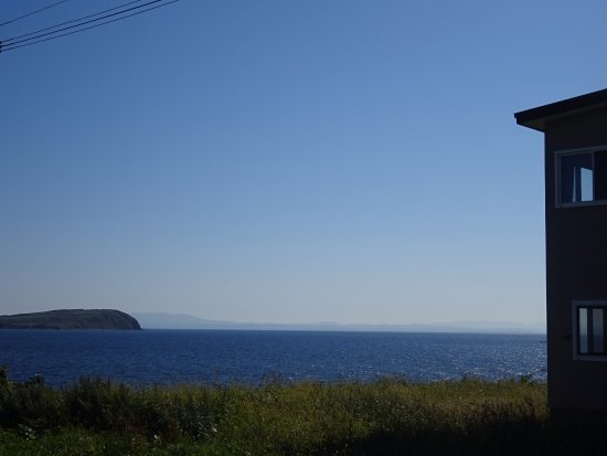 Haboro-cho, Japão: 海に面していて遠くには焼尻島と羽幌町が見える絶景の旅館です