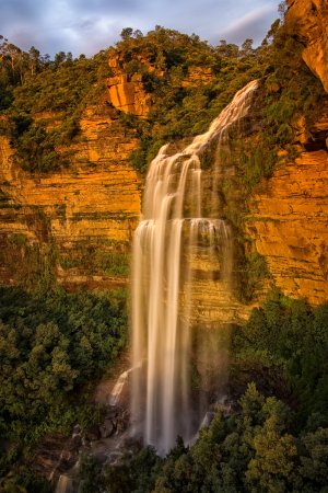 Wentworth Falls Waterfall - an easy 20 minute stroll from our property