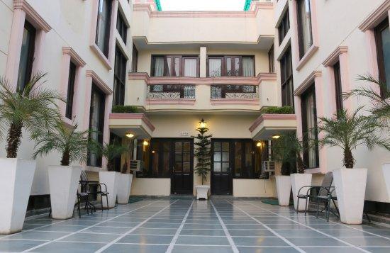 Enkay Residency V Block : Exterior from the main entrance