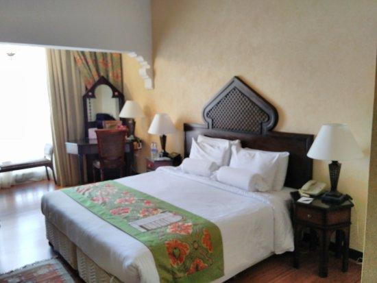 Arabian Courtyard Hotel Spa Traditional Arabic Style Room