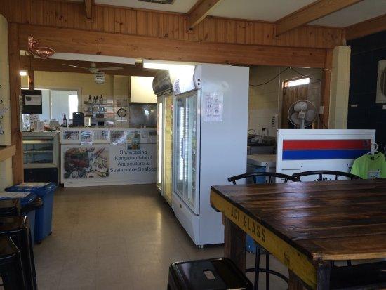 The Oyster Farm Shop : photo1.jpg
