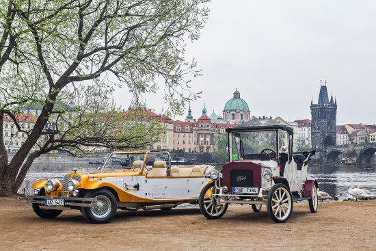 ‪Prague Old Car‬
