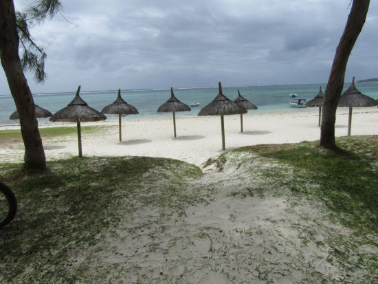 Emeraude Beach Attitude Image