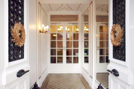Hotel de Latour Maubourg: Hotel Latour Maubourg Entrance
