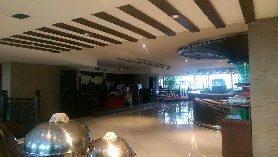 Zenith Sukhumvit Hotel Bangkok: IMAG1355_large.jpg