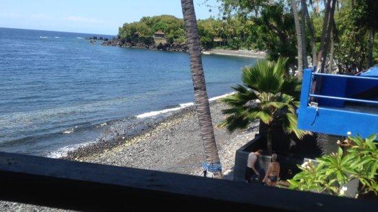 Matahari Tulamben Resort, Dive & SPA: Vue du restaurant...