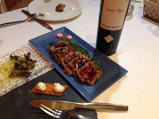 Betera, İspanya: ...el tataki... atún... pero como diría mi madre... especial.