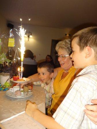 Plobsheim, Франция: Soirée Anniversaire en Famille