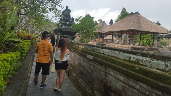 Mengwi, Indonesien: walls that surround the temple