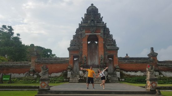 Mengwi, Indonesien: near the temple