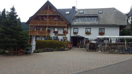 Heiligenbrunnen: Beautiful building and location.