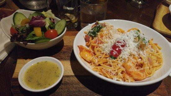 Barnet, UK: Light option Spaghetti with King prawns